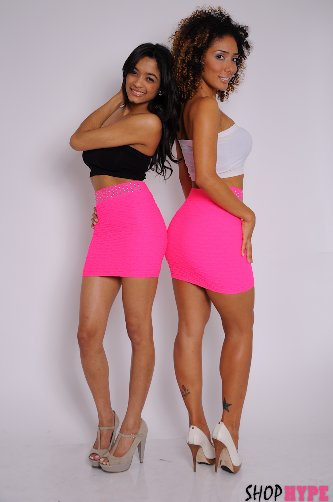 shophype_hot_pink_skirt_mini_bodywear_mayara_de_assis_jassym_lora2.jpg